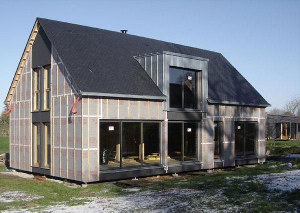 Chaumezon  Autoconstruction dune maison à ossature bois dans le Morbiha